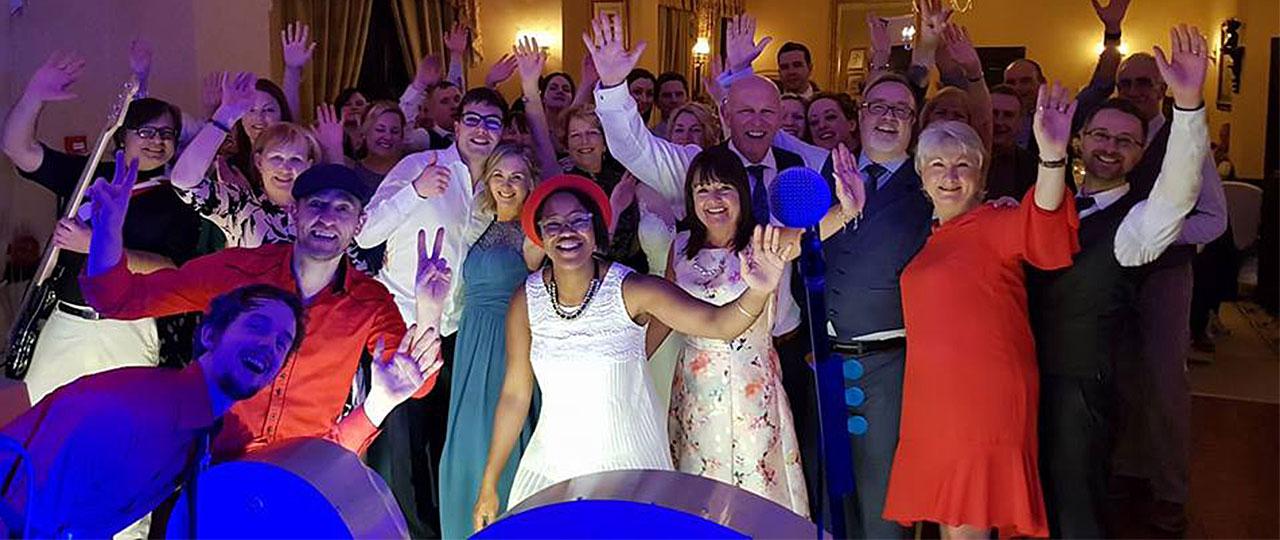 chris anna wedding crowd
